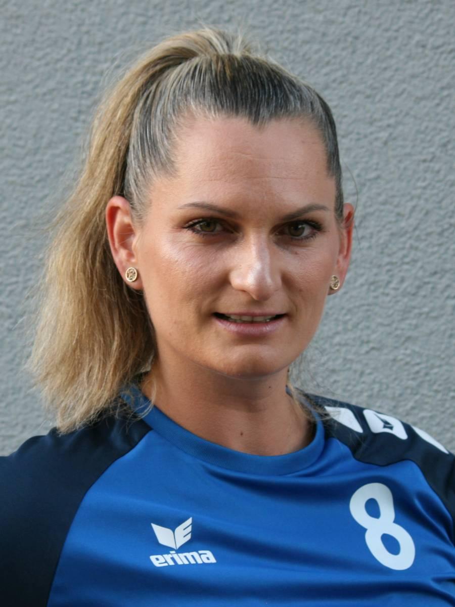 Eva Hudecova